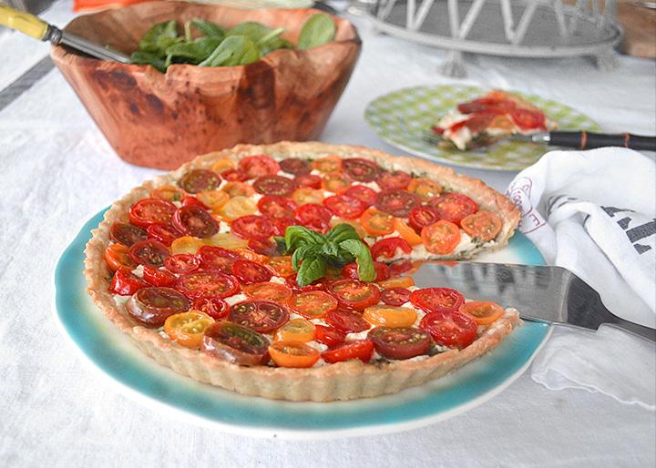 Tomato-Basil-Mozz-Tart-La-Maison-du-Monde-2