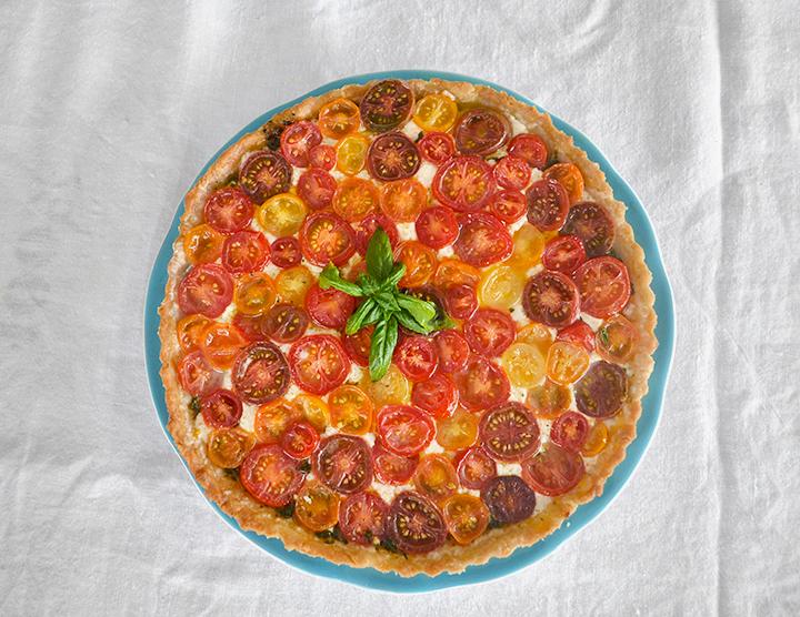 Tomato-Tart-Basil-Mozz-La-Maison-du-Monde-9
