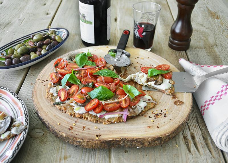 cauliflower-pizza-crust-with-almonds-01-la-maison-du-monde