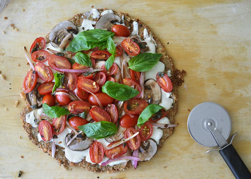 cauliflower-pizza-crust-with-almonds-02-la-maison-du-monde
